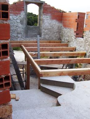 Reconstitution d'une partie des planchers en bois